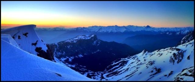 Pirineos al amanecer; Julen Gayarre (4-6-2013)