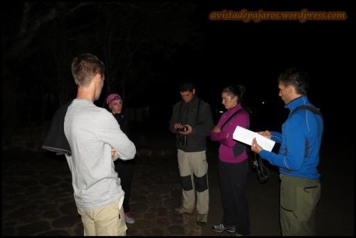 Esperando a la salida nocturna (30-10-2013)