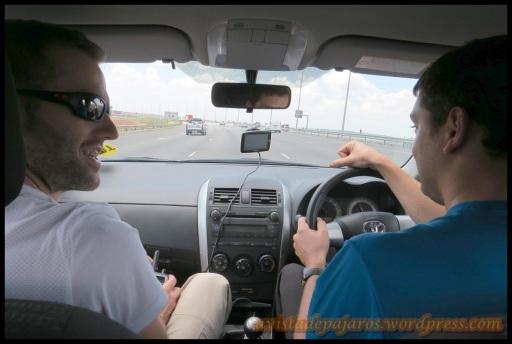 Viajando, con el volante en el lado opuesto al acostumbrado (29-10-2013)
