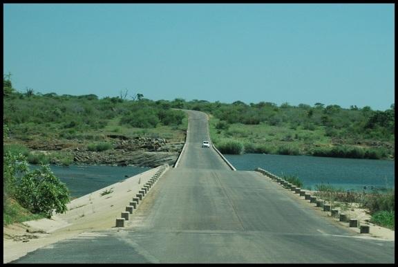 Puente sobre el río; Koldo Azedo (5-11-2013)