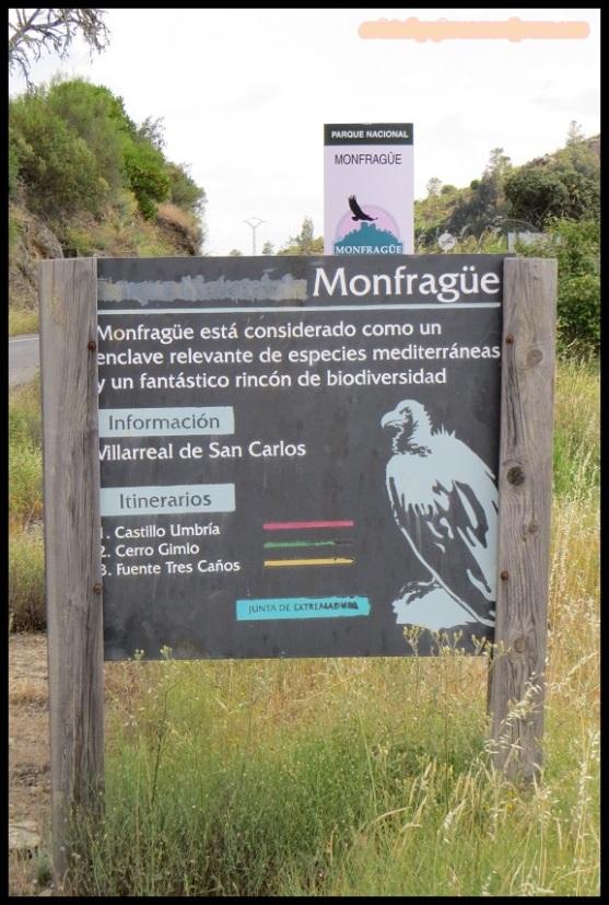 Carteles de entrada a monfragüe (25-5-2015)